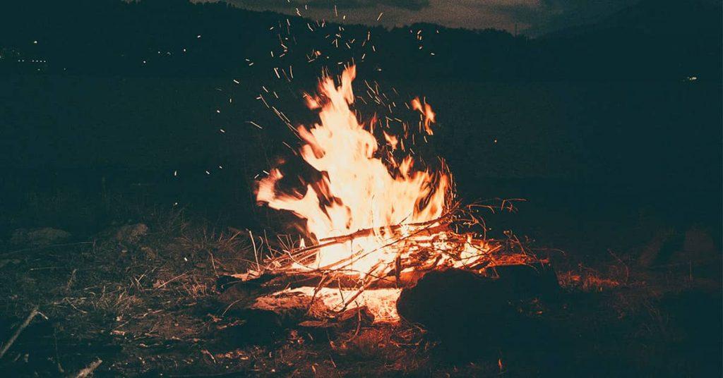 Come creare un'esca per fuoco impermeabile